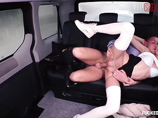 VIPSEXVAULT - Shrill Teen Partisan Cindy Sine Sweet-talk Family Cup-boy About a Motor motor vehicle