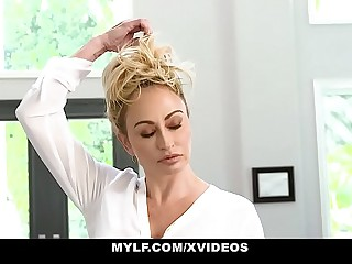 MYLF - Hot Blonde MILF Milks A Young American football gridiron Player To Realize Meaningful