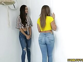 Horny milfs Havana Bleu and Gia Vendetti give their foster teen but for the fact that pussy he buttress ever have