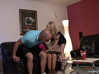 His czech gf copulates blond mommy with dingdong