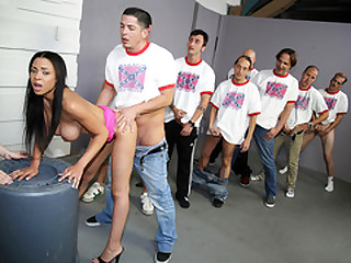 Jade Aspen sucks and fucks many guys - Cumbang